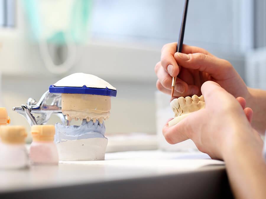 Eigenes Zahnlabor Zahnarztpraxis Darmstadt
